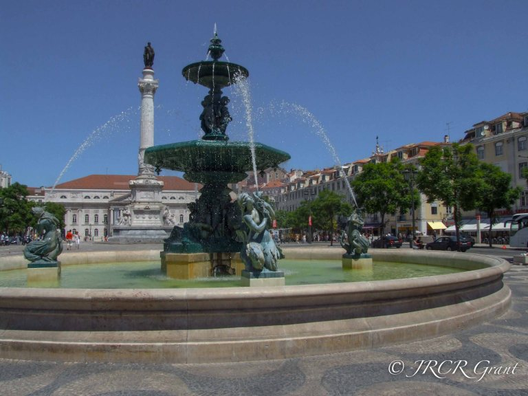 Rossio Fountain and Statue