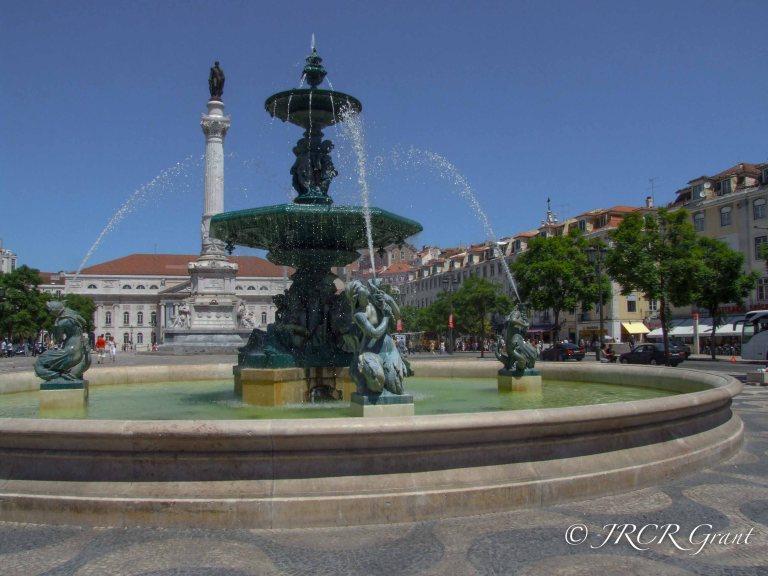 Rossio Fountain and Statue