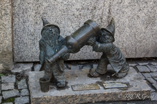Gnomes of Wroclaw - The Drunks
