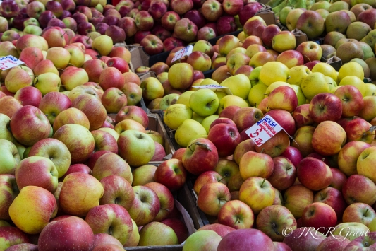 Polish Apples for sale in Wroclaw Market