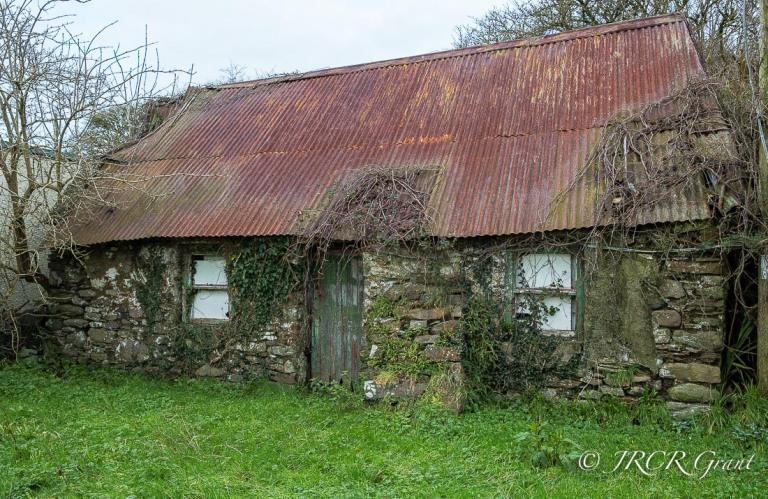 An old Irish cottage falls apart